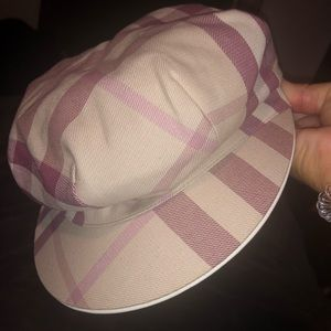 Burberry hat (Worn once)